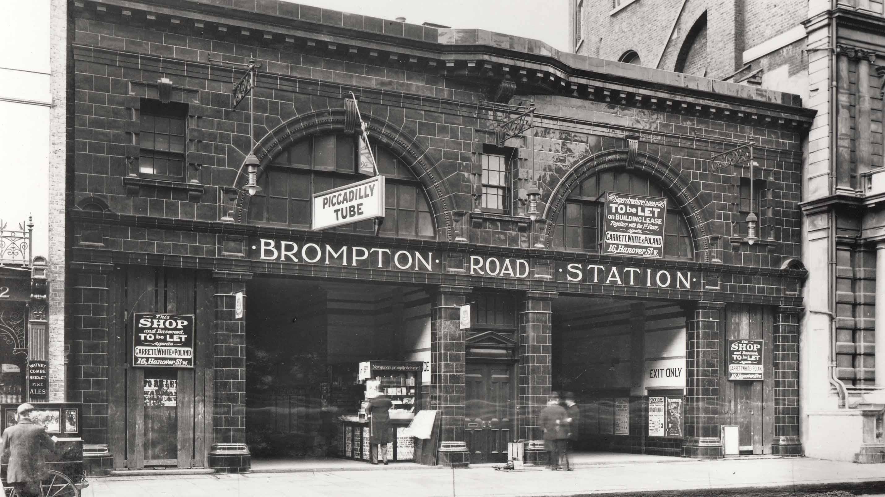 Brompton-Road-Underground-station--1907-copyright-TfL-2001-55802---2-