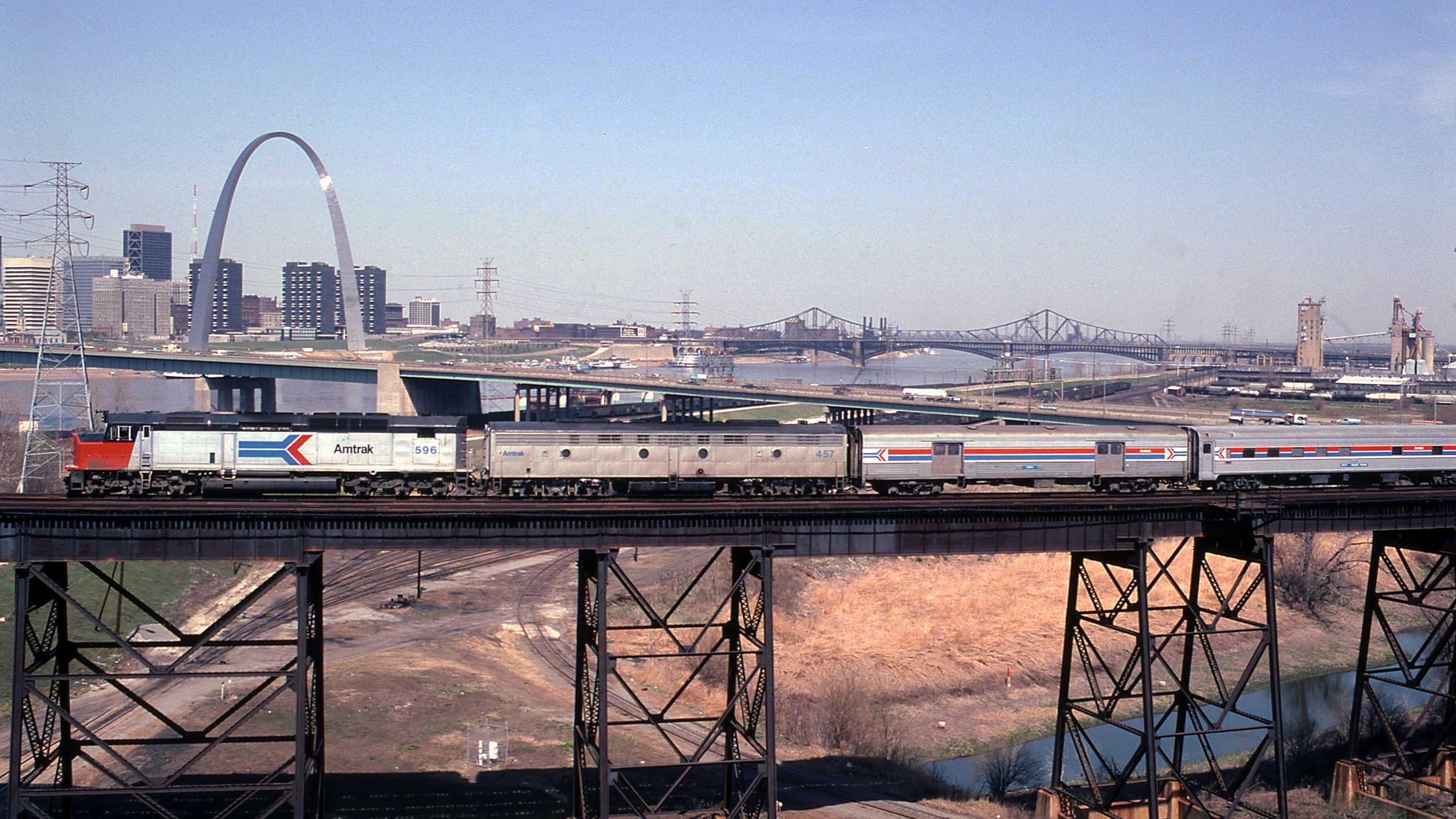 Amtrak-SDP40F-St-Louis-Gary-Dolzall