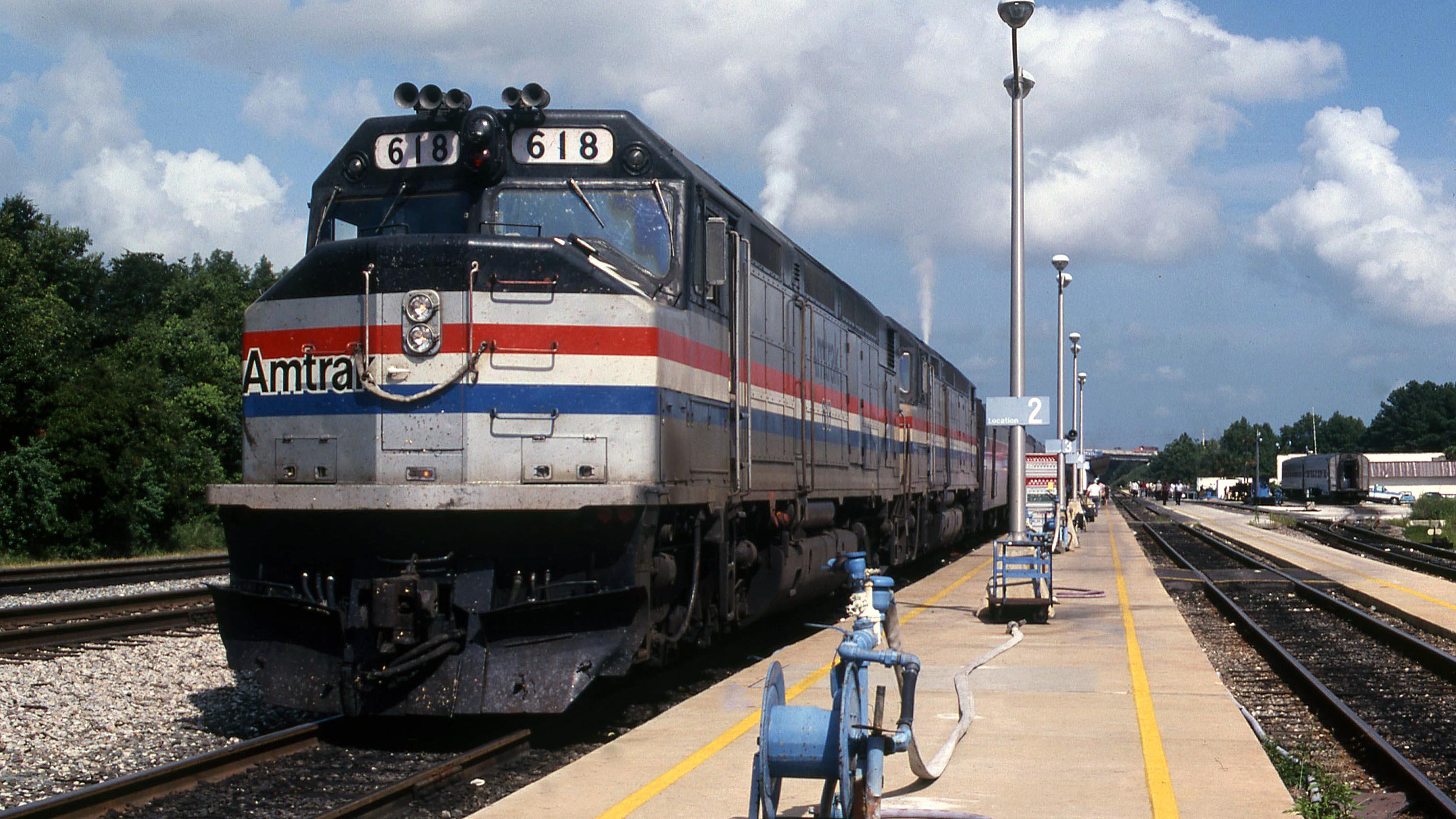 Amtrak-SDP40F-Jacksonville-Gary-Dolzall