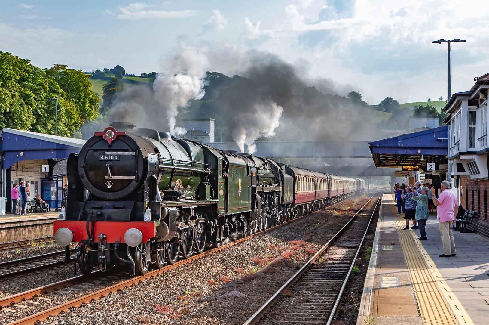 LMS-Royal-Scot-Class-7P-4-6-0-No-46100-Royal-Scot-BR-Standard-Class-7-70000-Britannia-D1935-47805-Colin-Wallace