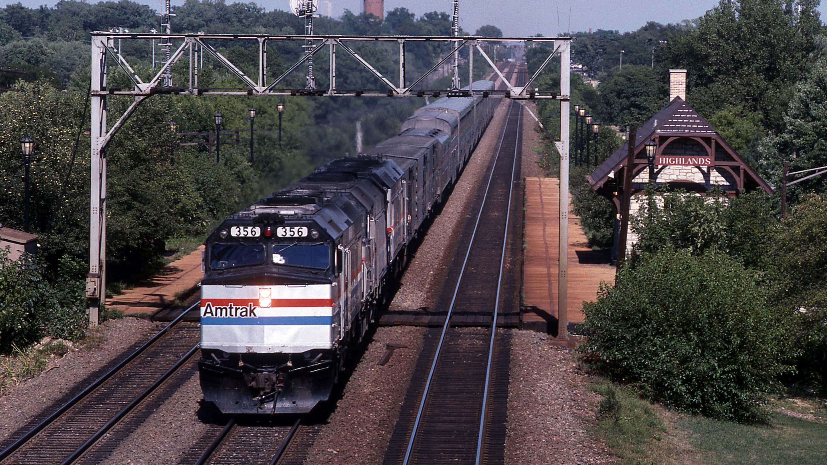 Amtrak-EMD-F40PH-Zephyr-Highlands-IL-Gary-Dolzall