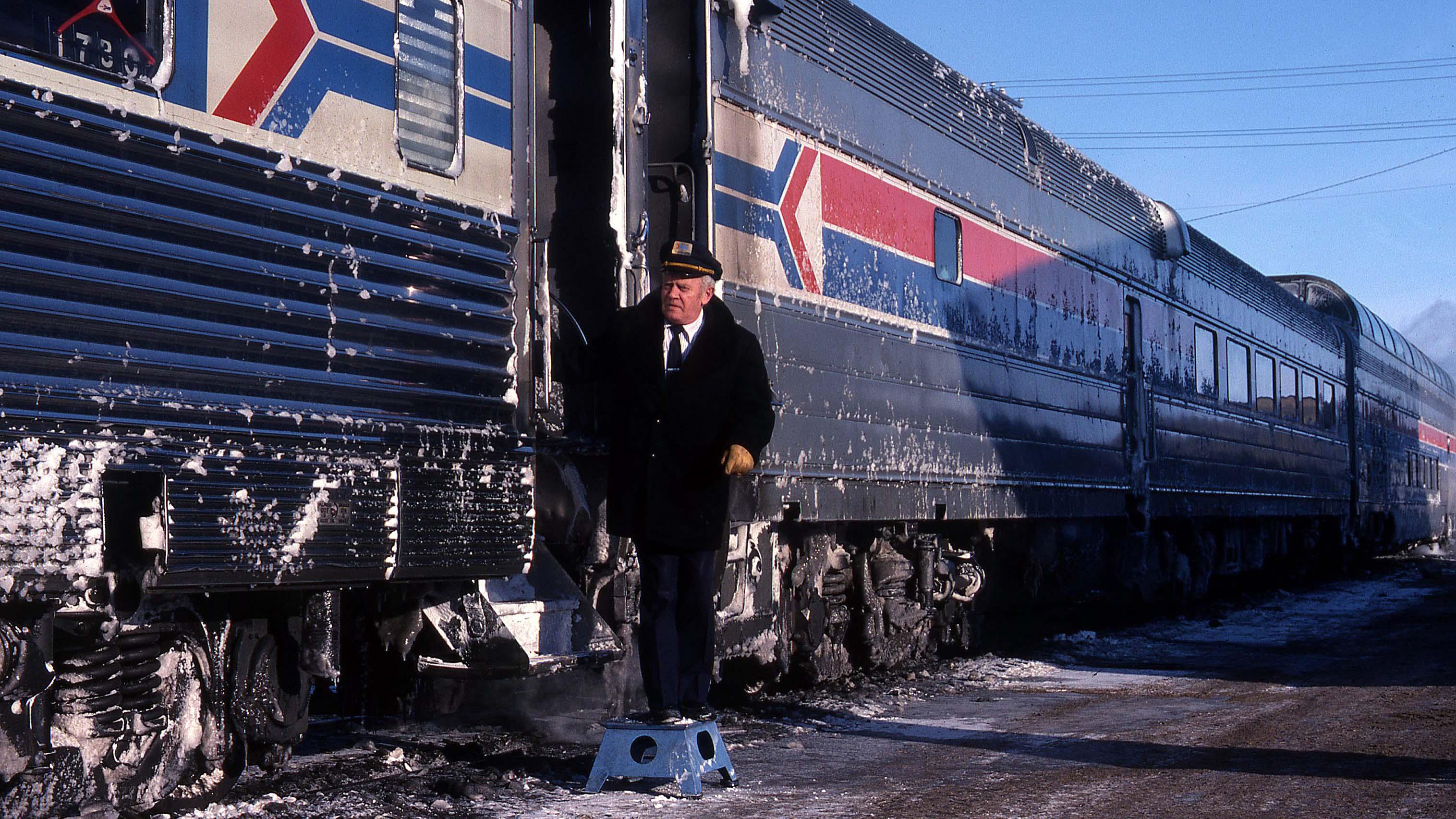 Fargo-Empire-Builder-Amtrak-Gary-Dolzall