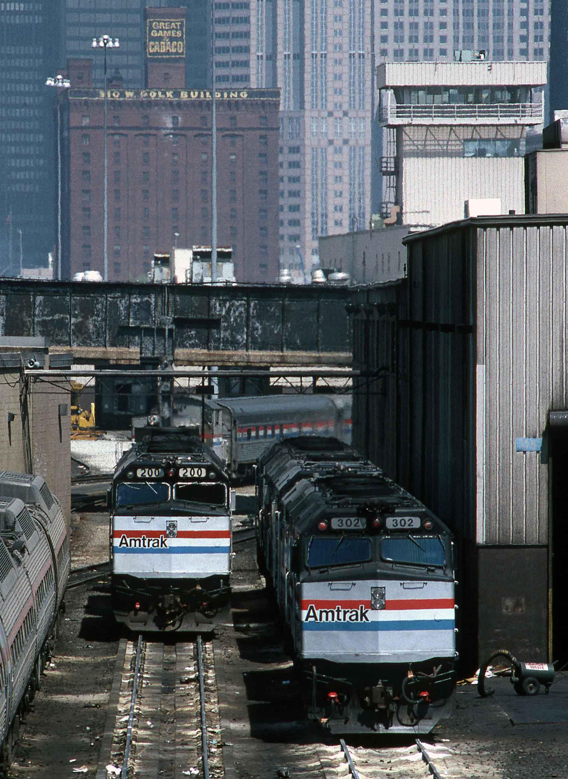 F40PH-Gary-Dolzall-Chicago-Depot