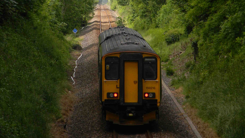 Class-150-Frampton-Tunnel