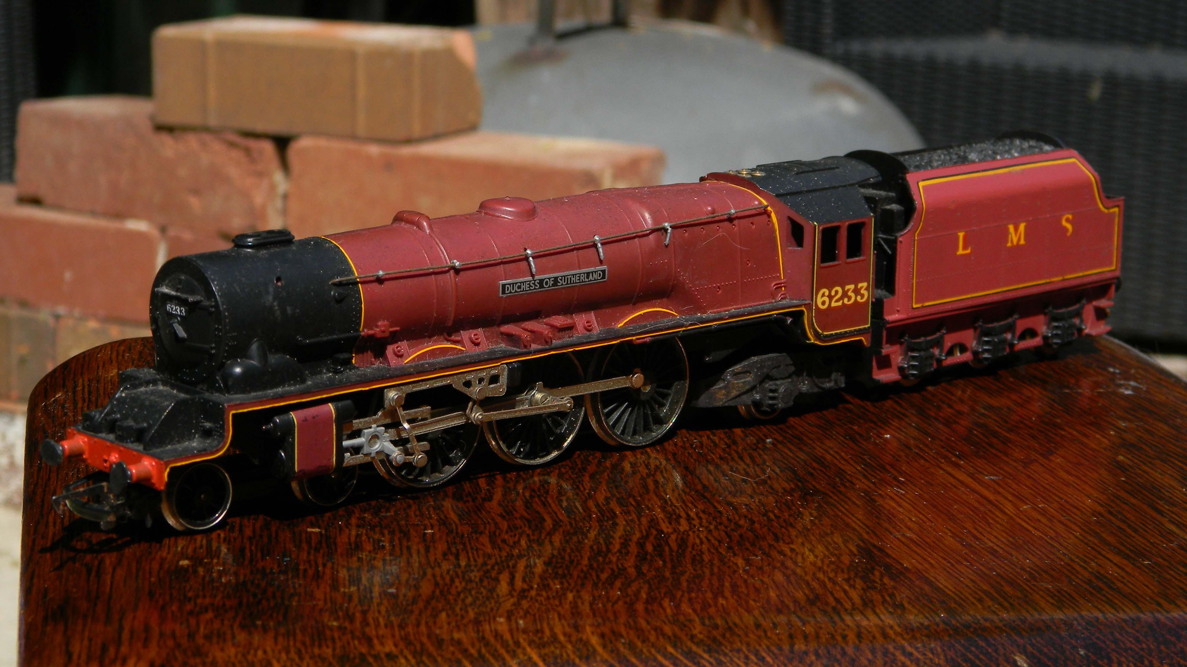 Hornby-LMS-6233-Duchess-of-Sutherland