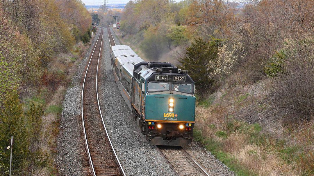 F40PH-transitfanlion-VIA-Canada-Lovekin