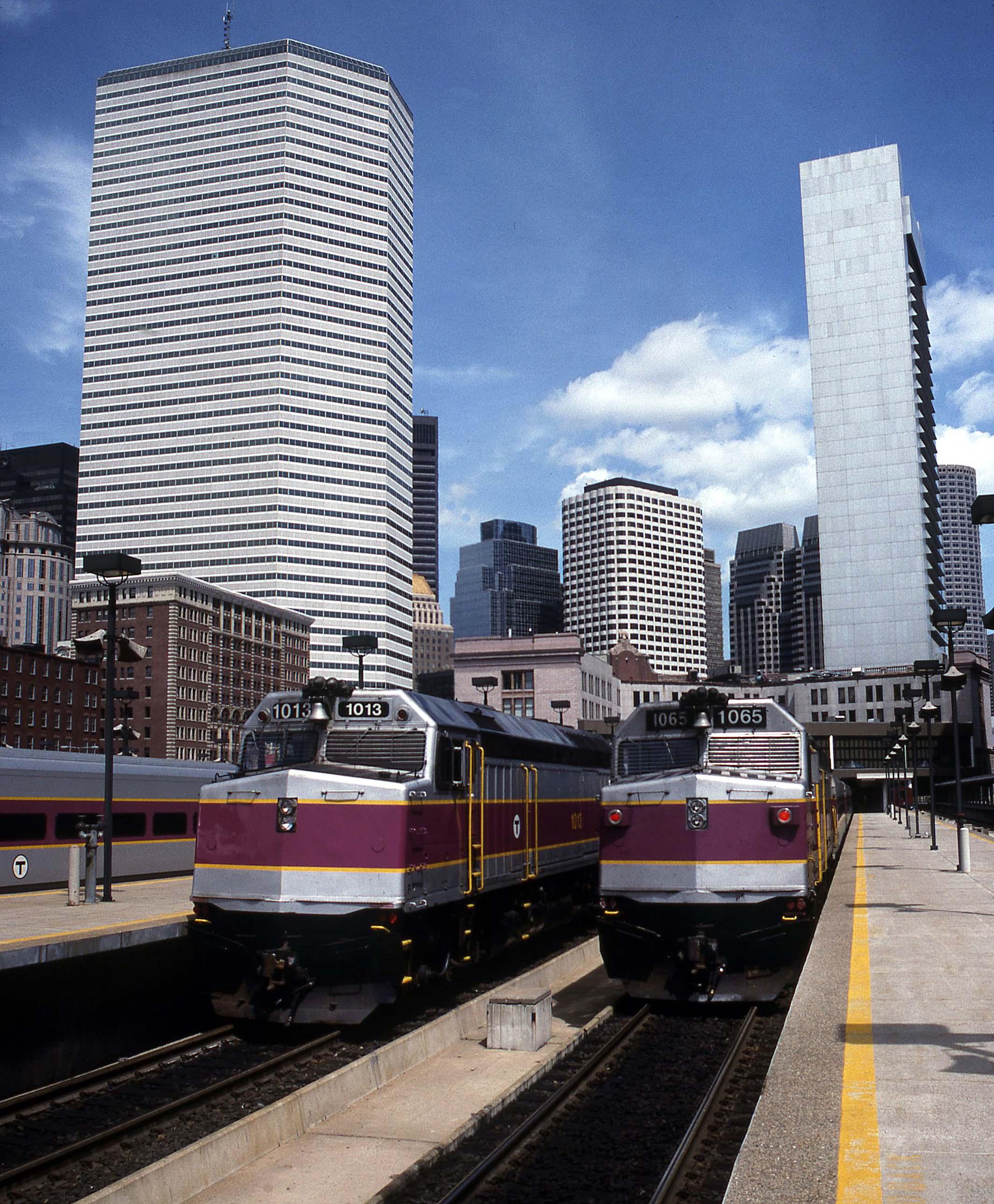 F40PH-Gary-Dolzall-MBTA-Boston