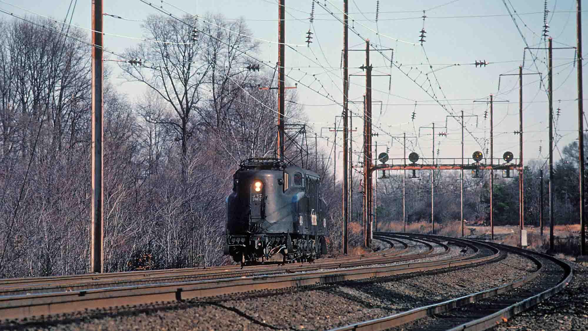 GG1-Light-Engine-Middle_River-Maryland-1980