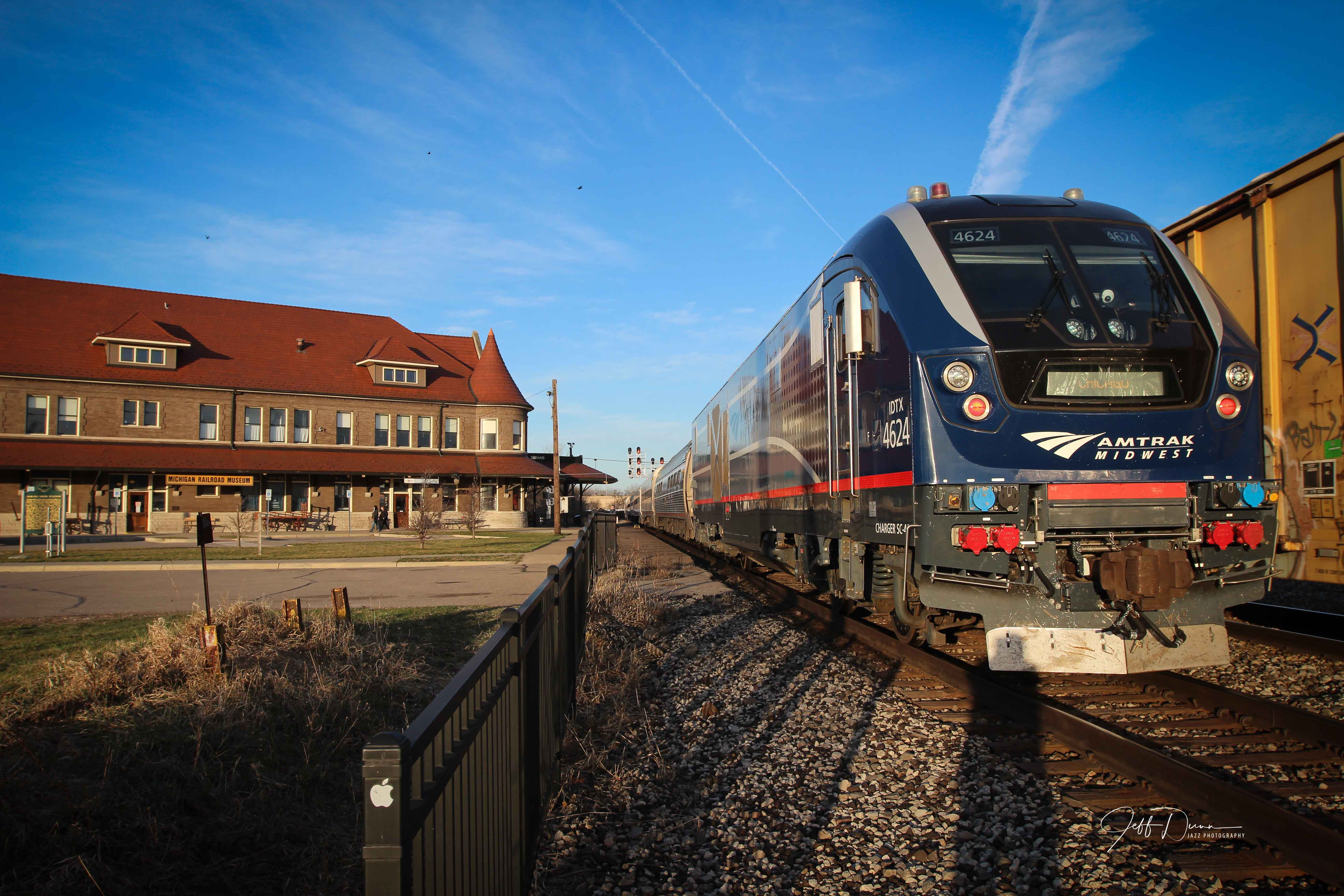 Jeff-Dunn-Durand-Amtrak-Blue-Water-Charger-4624