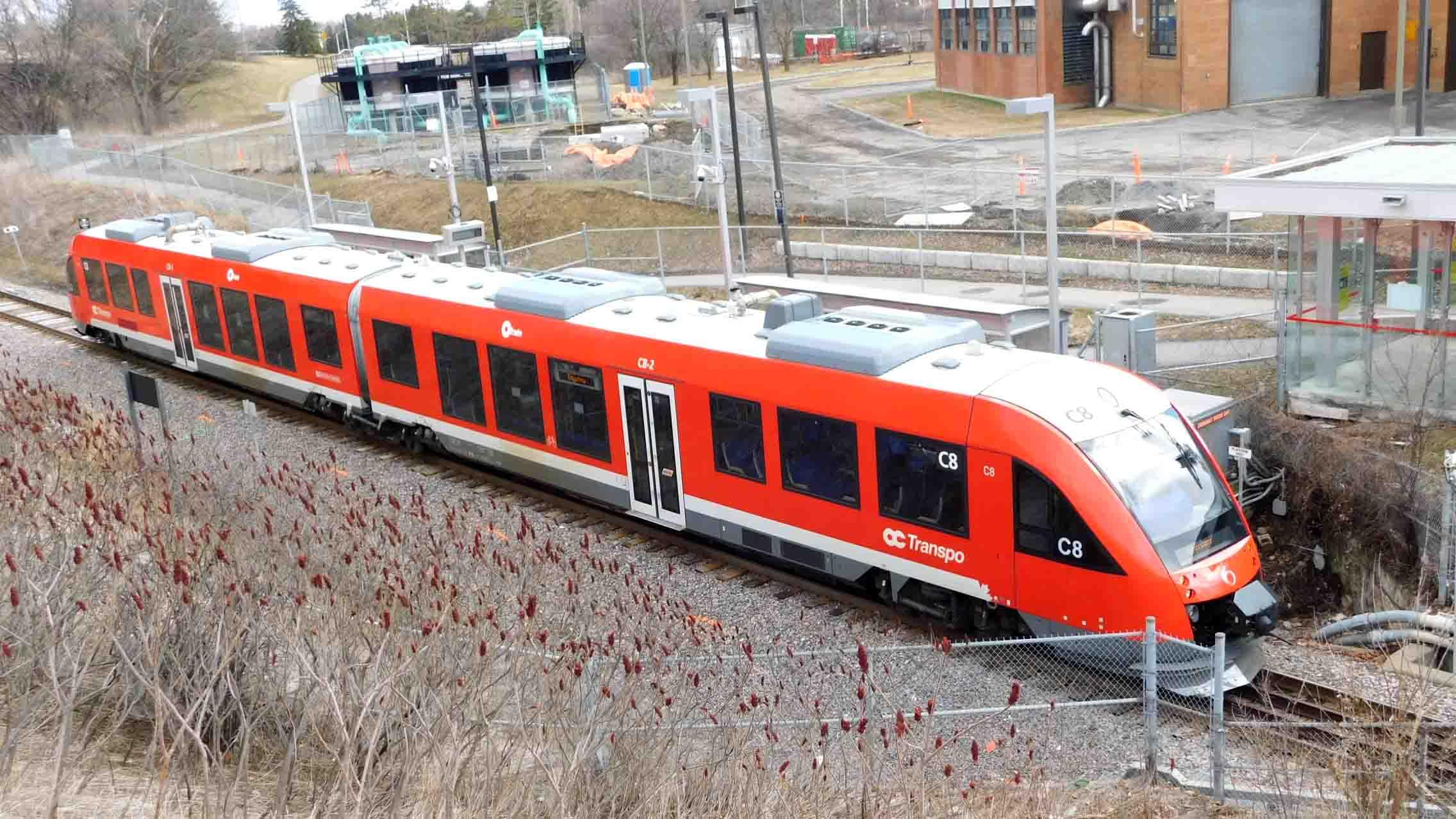 Alstom_Coradia_LINT_41_on_the_Trillium_Line_0891