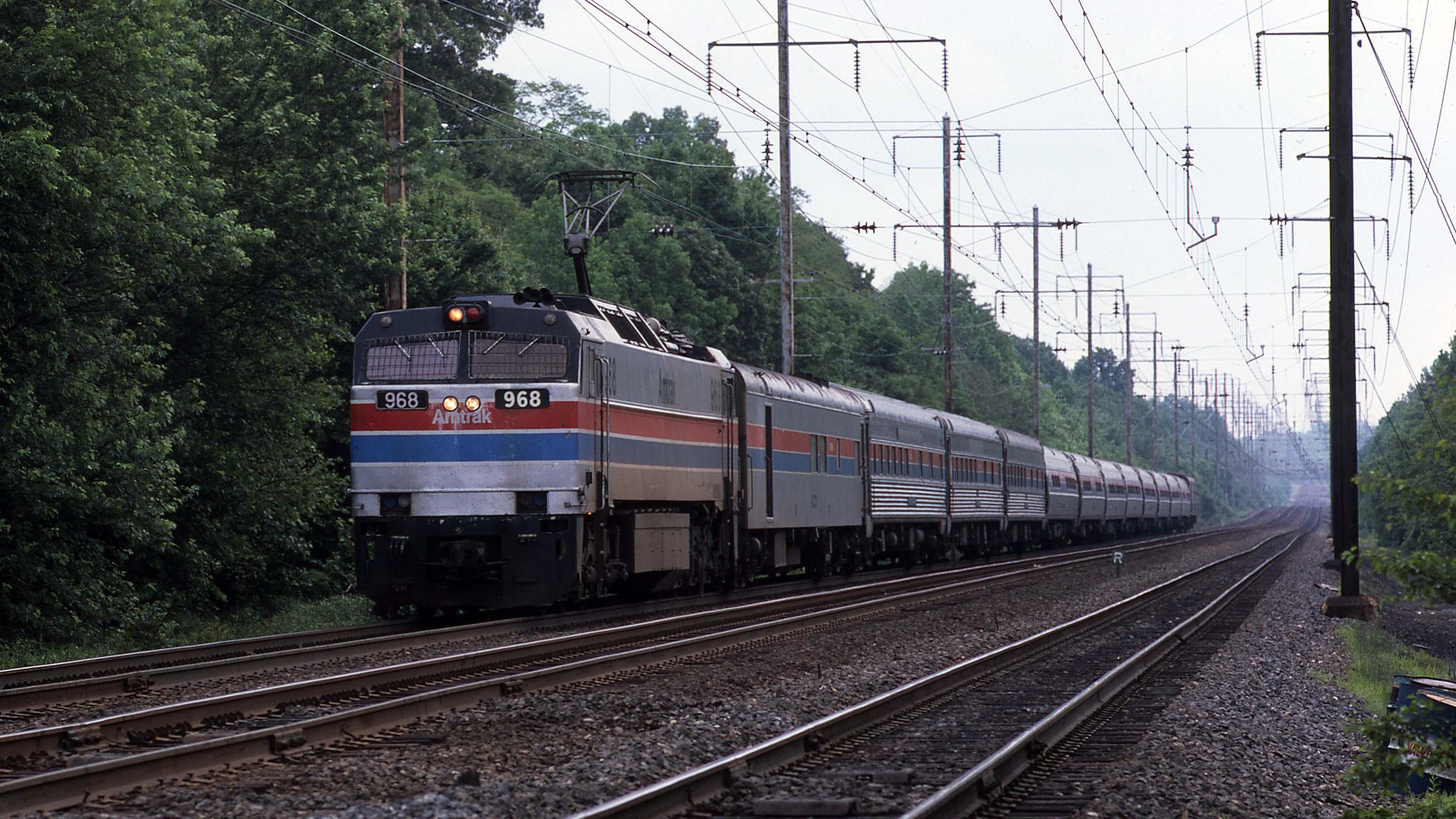 Gary-Dolzall-Metroliner-Amtrak