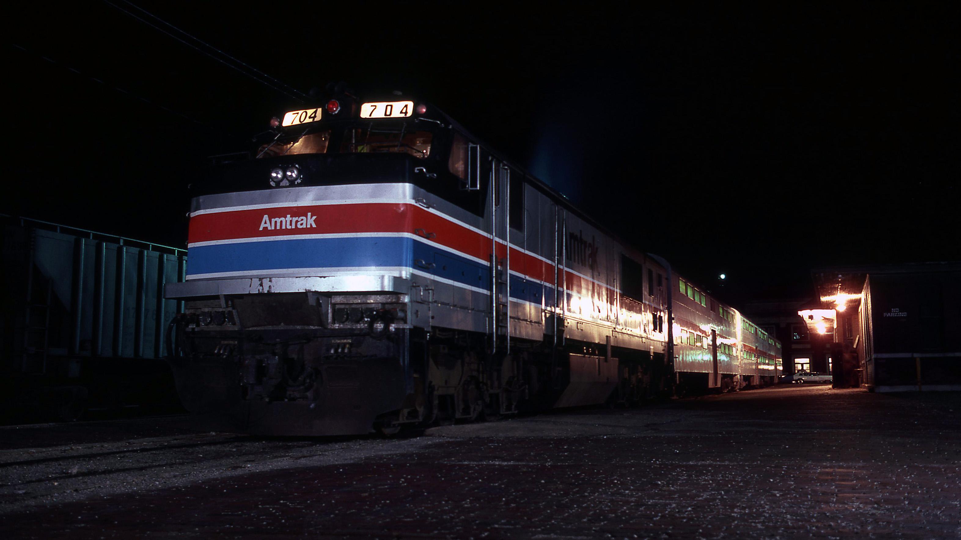 Gary-Dolzall-Amtrak-P30CH