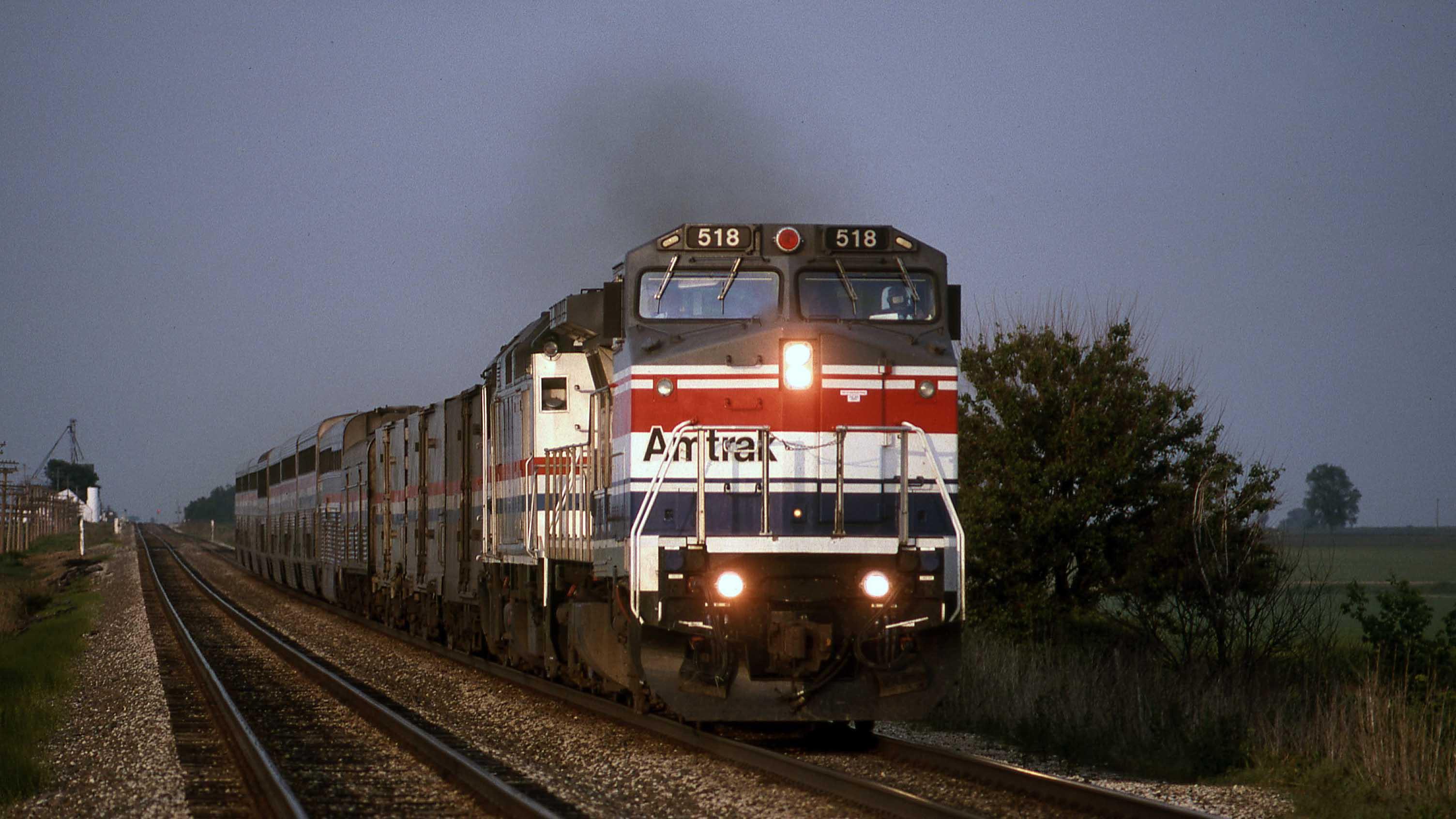 Gary-Dolzall-Amtrak-Dash-8