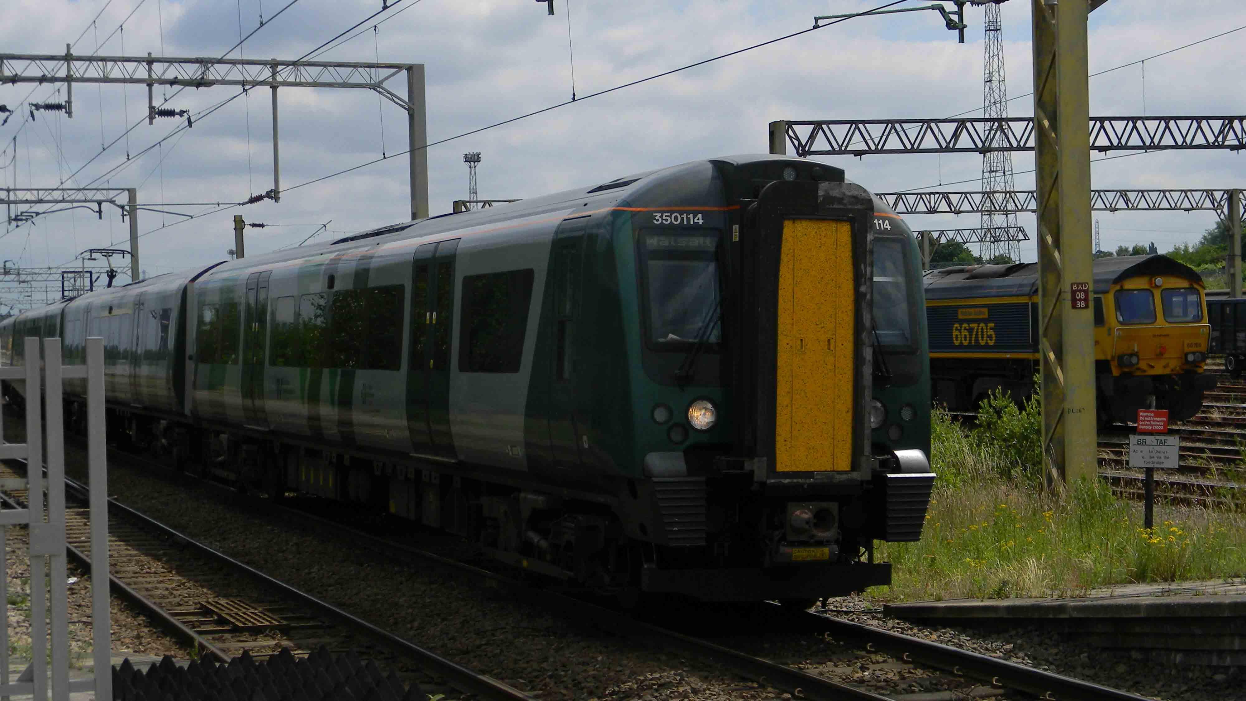 Bescot-Joe-Rogers-Class-350-Class-66