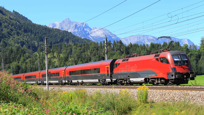 OBB-Railjet-Christian-Auerweck